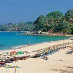 Отели на пляже Сурин